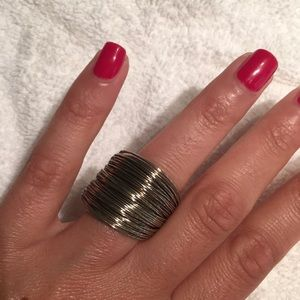 Fun wire silver slinky ring!